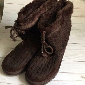 Skechers Knit Boots Size 10 EUC.